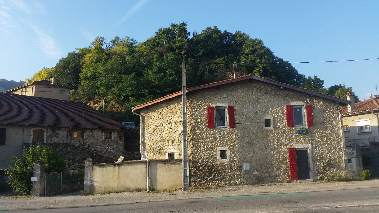 Immobilier st peray chateauvert centre ville achat for Cash piscine st peray